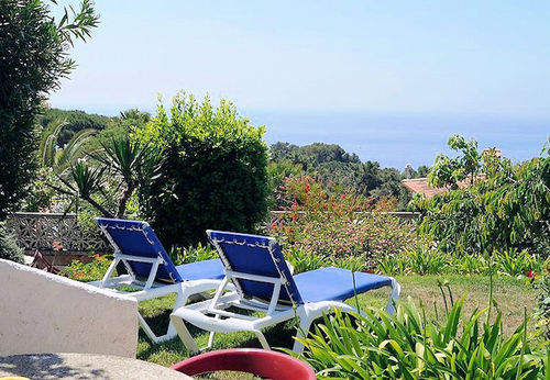 LL 215 Holiday house for 4 persons with sea views and swimming pool in Cala Canyelles Costa Brava
