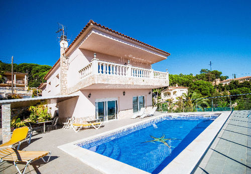 LL 825 Modern villa for 9 persons with private pool and sea views Costa Brava Lloret de Mar