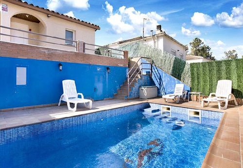 LL 603 Villa for 6 persons with private pool near Lloret de Mar on the Costa Brava