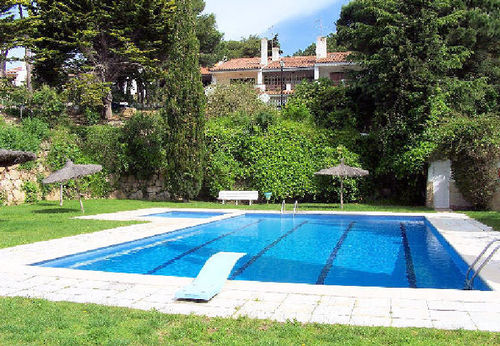 LL 210 Bungalow for 4/5 persons with sea views and swimming pool near Lloret de Mar Costa Brava