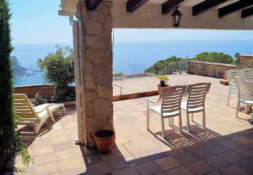 LL 269 Holiday house for 6/7 persons with sea views and swimming pool Cala Canyelles Costa Brava