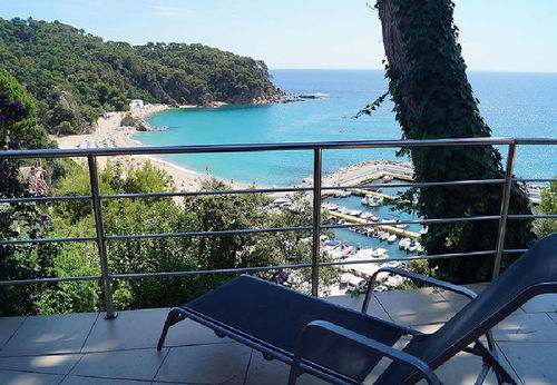 LL 203 Holiday house for 2/3 persons with sea views and swimming pool in Canyelles Costa Brava