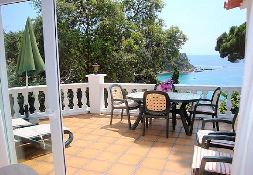 LL 217 Holiday house for 4/5 persons with sea views and swimming pool in Canyelles Costa Brava