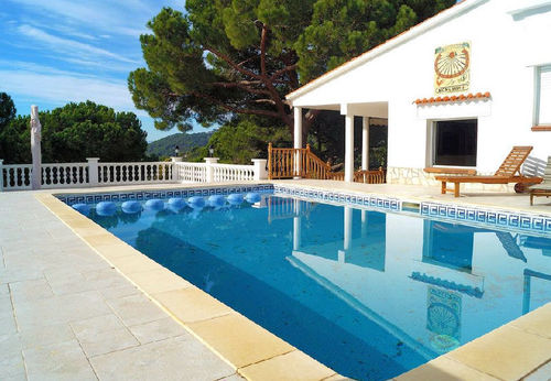 LL 824 Exclusive villa for 8/10 persons with private pool in Cala Canyelles on the Costa Brava