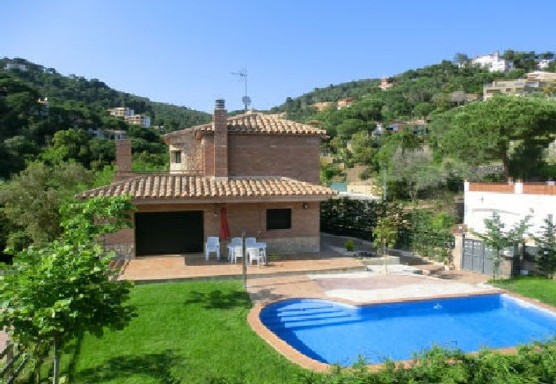 LL 823 Modern villa for 8 persons with private pool in Cala Canyelles Costa Brava