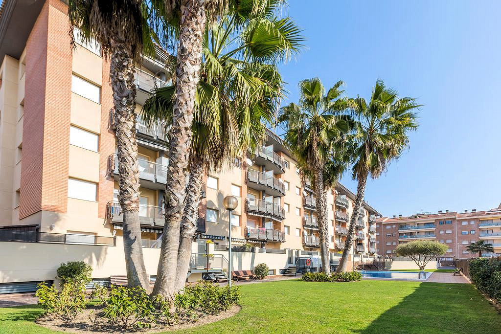 LL 111 Apartment for 2/4 persons with swimming pool in Lloret de Mar Fenals Costa Brava