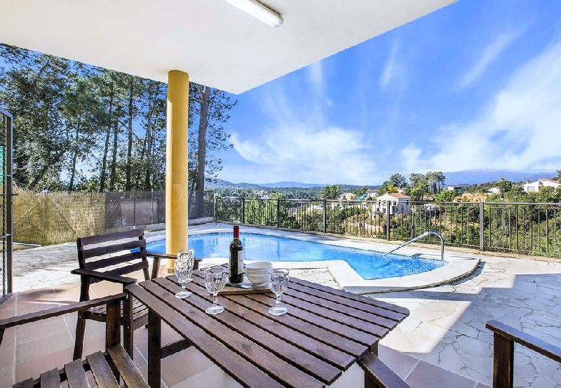 LL 807 Villa for 8 persons with private pool near Lloret de Mar on the Costa Brava